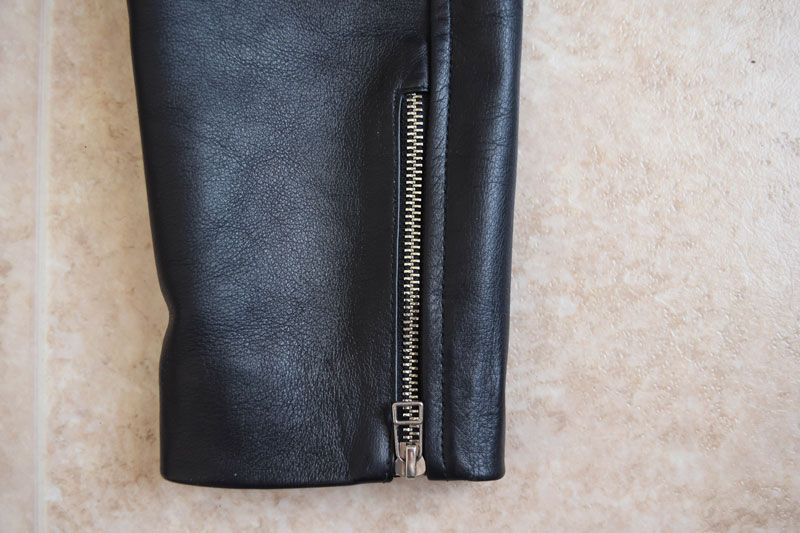 zipper closeup on the Beckett Simonon Atlas Jacket